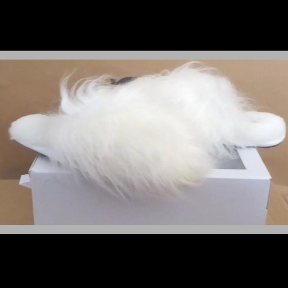37c18fefc8f NEW WITH BOX UGG SZ 6 FLUFF YEAH MONGOLIAN WHITE NWT